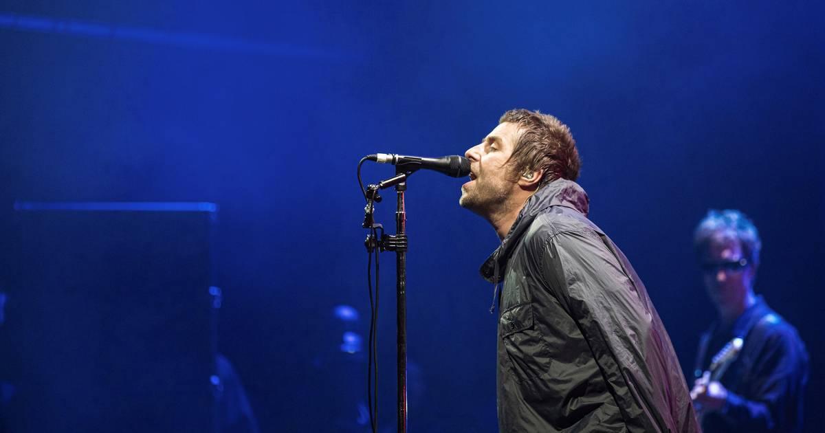 Fans in rep en roer: Liam Gallagher bevestigt reünie Oasis - AD.nl