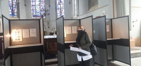 Drukte concentreert zich bij twee Zevenaarse stembureaus: 'Het leek even net de Efteling'
