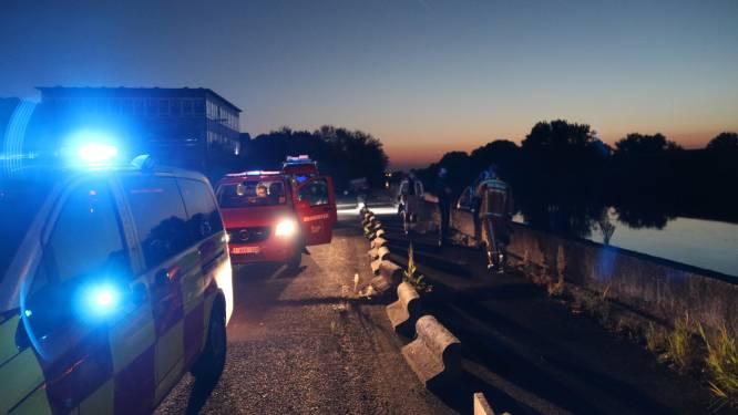 Brandweer en civiele bescherming ruimen kilometers lang mazoutspoor op Schelde op