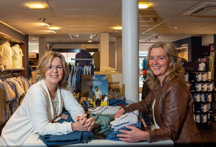 Ondanks alle ellende blijven Renee (l) en Esther Heiwegen lachen.