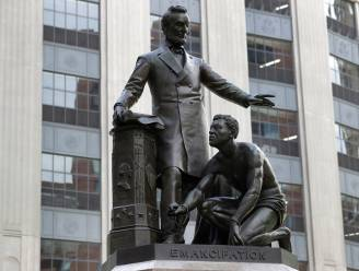 Boston verwijdert standbeeld van Abraham Lincoln en knielende zwarte man