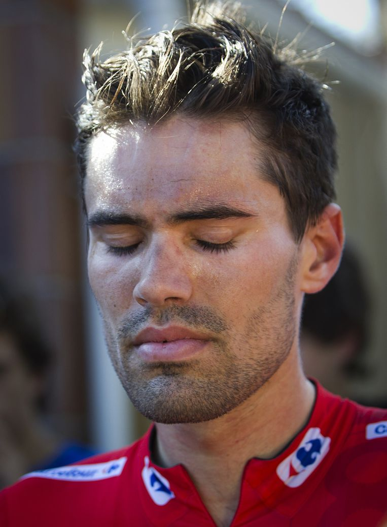 Giant-Alpecin's Dutch cyclist Tom Dumoulin reacts at the end of the 20th Stage of the 2015 Vuelta Espana cycling tour, a 175,8km route between San Lorenzo del Escorial and Cercedilla on September 12, 2015.   AFP PHOTO/ JAIME REINA Beeld null
