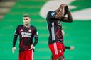 Luis Sinisterra of Feyenoord baalt van een gemiste kans. Op de achtergrond Bryan Linssen.