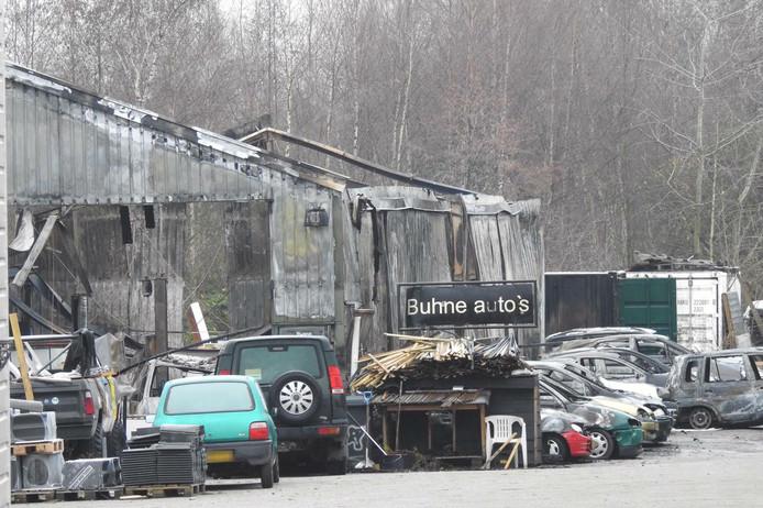 Schade na de brand bij Buhne Auto's in Veldhoven (2018).
