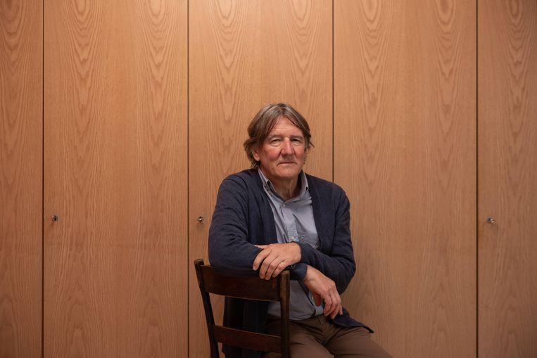 Patrick Janssens: 'Ik heb in sommige gezelschappen nog altijd het gevoel dat ze gaan zien dat ik er niet thuishoor, dat ik er de manieren niet voor heb.' Beeld Wouter Maeckelberghe