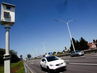 Aantal beschadigingen aan flitspalen in Vlaanderen meer dan gehalveerd in 2020
