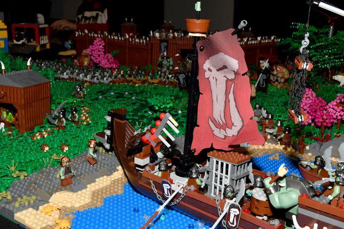 Ook de klassieke piratenboot met slagveld stond uitgestald.
