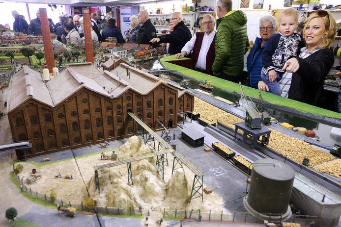 In de omgeving van de oude suikerfabriek vindt het tweedaagse foodfestijn 'n Bietje Koekoek voor het eerst plaats. Ook de daar gevestigde modelspoorvereniging 'Railkontact' had openhuis.