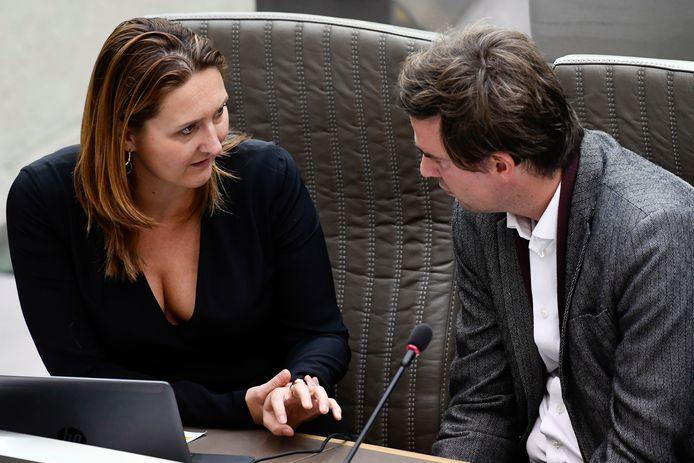 Gwendolyn Rutten en Mathias De Clercq kregen een brief van de Gentse oud-schepenen en OCMW-voorzitters van de voorbije 30 jaar (behalve Fientje Moerman).
