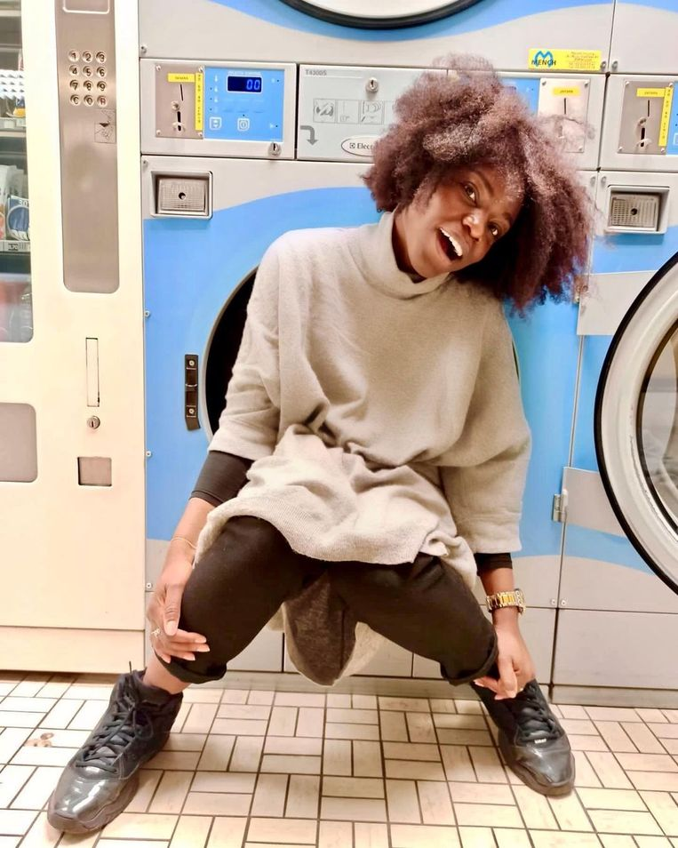 DMM2205 Kleur in de mode   Belgisch influencer  Marie-France Vodikulwakidi – @themfway.  Beeld rv