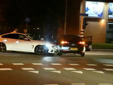 Ongeluk tussen twee auto's op kruising in Enschede