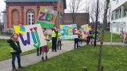 """Leerlingen basisschool hebben warme boodschap voor bewoners rusthuis: """"Wij zien jullie graag!"""""""