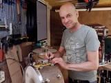Drums maken van pa's oude eikenhouten tafel