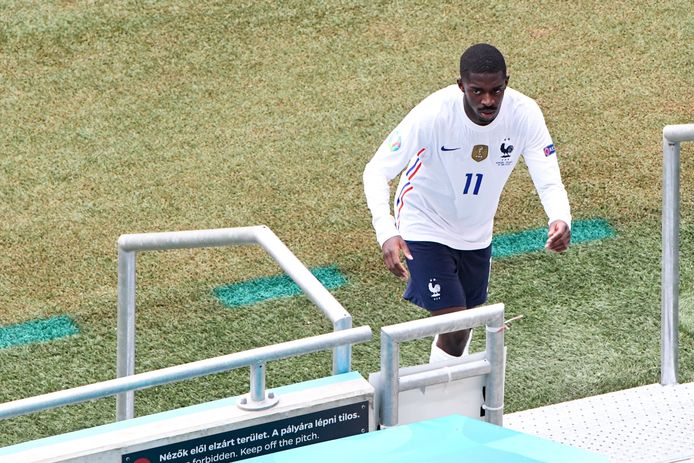 Monté au jeu, puis sorti sur blessure contre la Hongrie, Ousmane Dembélé est forfait pour le reste de l'Euro.