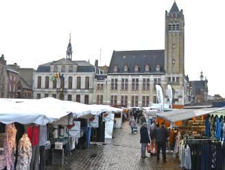 Bescheiden dinsdagmarkt door Natourcriterium
