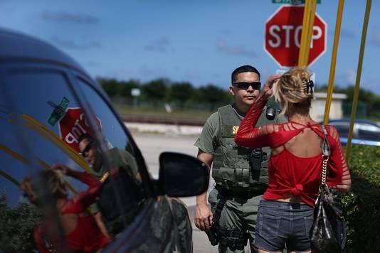 De politie van Florida controleert of een automobiliste flakka heeft gebruikt.