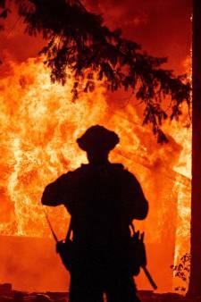 Foudre, vents violents: en Californie, cet incendie est si important qu'il génère son propre climat