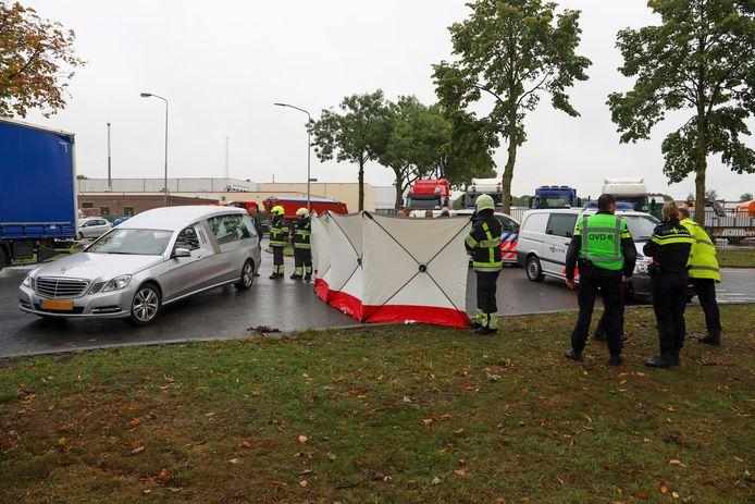 De plaats in Beuningen waar de Bulgaarse fietser door de vrachtwagen werd aangereden.