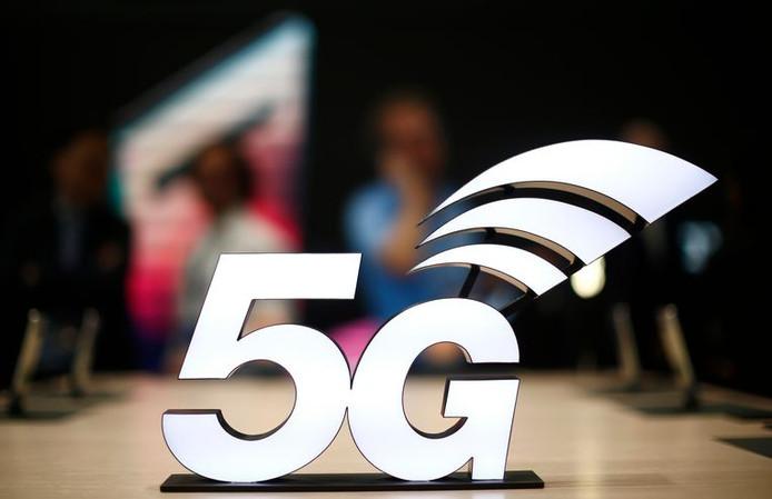 Les opérateurs télécoms se montraient partagés lundi sur la solution provisoire qu'a proposée vendredi l'Institut belge des services postaux et des télécommunications (IBPT) pour permettre une introduction de la 5G en Belgique.