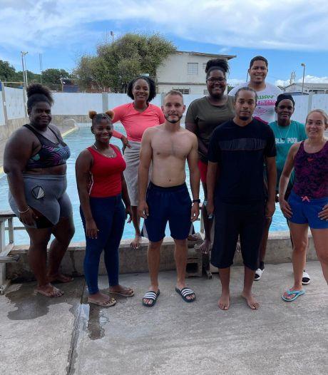 Nog niet de helft van de mensen op Sint Eustatius kan zwemmen: Terneuzense Marouschka doet er iets aan