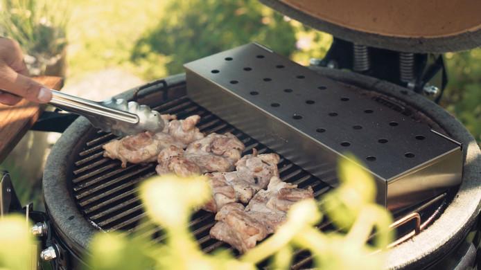Wonderbaar Dankzij deze BBQ-gadget krijgt je vlees een rooksmaak zonder kolen EH-82