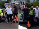 Britse politieagent slaat man in het gezicht