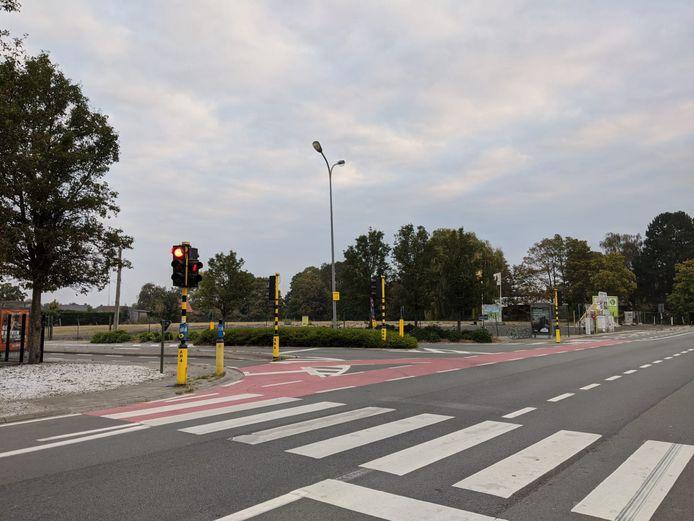 De plannen waren voorzien voor dit veld langs de Gentseweg in Desselgem, maar voorlopig ziet Albert Heijn af van een bijkomende supermarkt.