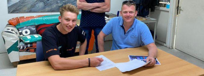 Mitchel van den Brink (links) maakt de overstap naar Team De Rooy.