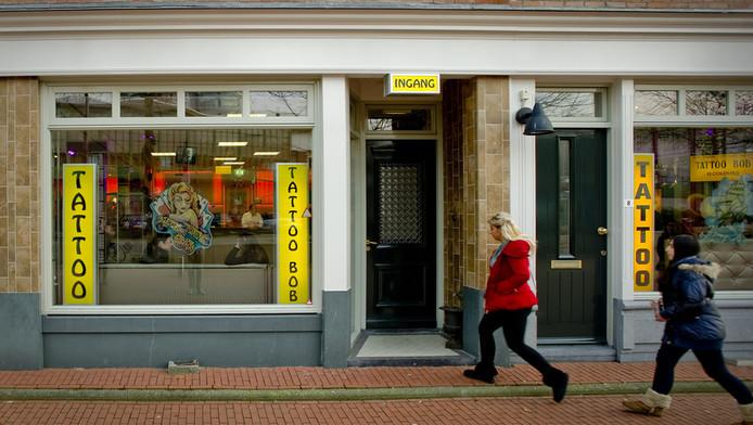 Exterieur van de tatoeage-praktijk van Bob Moelker alias Tattoo Bob in de wijk Katendrecht in Rotterdam.
