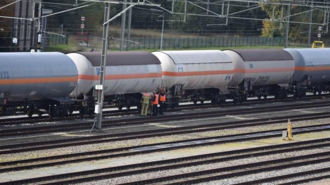 Treinverkeer van en naar Almelo hervat na verstoring door lekkende ketelwagen