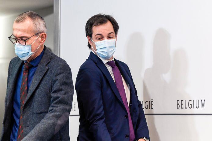 Minister van Volksgezondheid Frank Vandenbroucke (sp.a) en premier Alexander De Croo (Open Vld) kondigden vrijdag na het Overlegcomité enkele kleine versoepelingen aan.