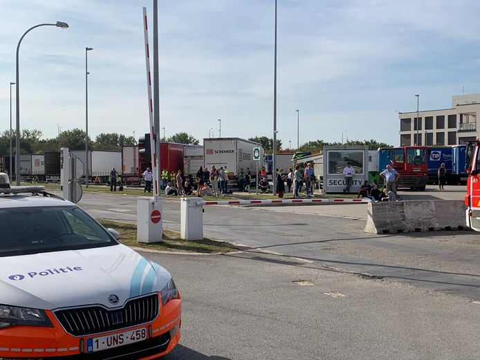 MECHELEN - Een vijftigtal medewerkers van DB Schenker werden geëvacueerd.