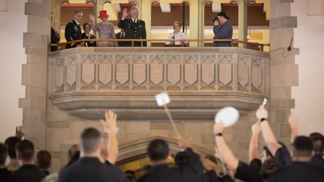 VIDEO: Koning Filip schenkt 4.500 dolenthousiaste Amerikaanse kadetten gratie