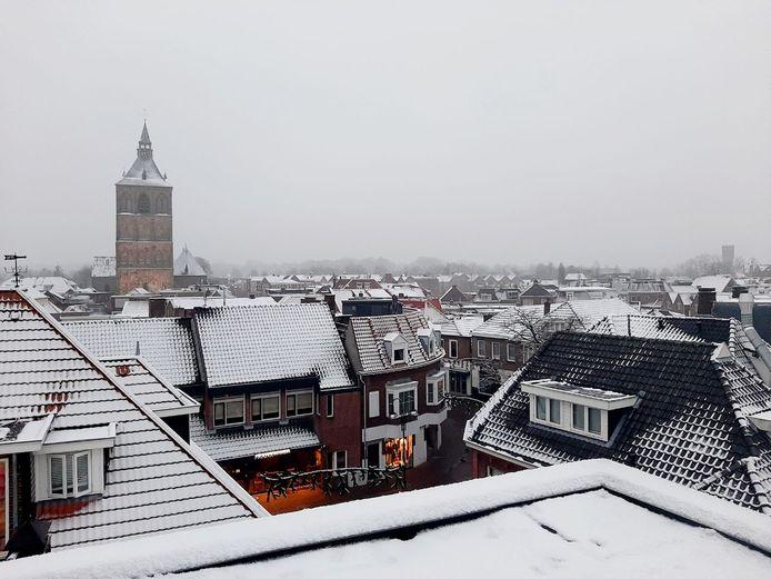 Oldenzaal in een deken van sneeuw.