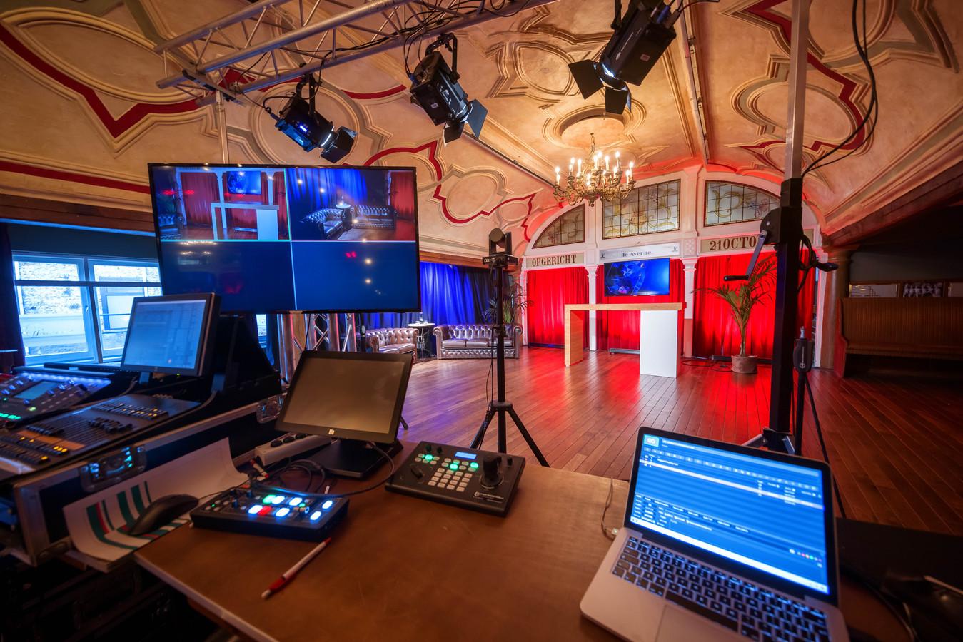 Een foto van vorig jaar: de Avenue in Breda heeft de evenementenzalen tijdelijk omgebouwd naar studio's, te huren bijvoorbeeld voor livestreams.