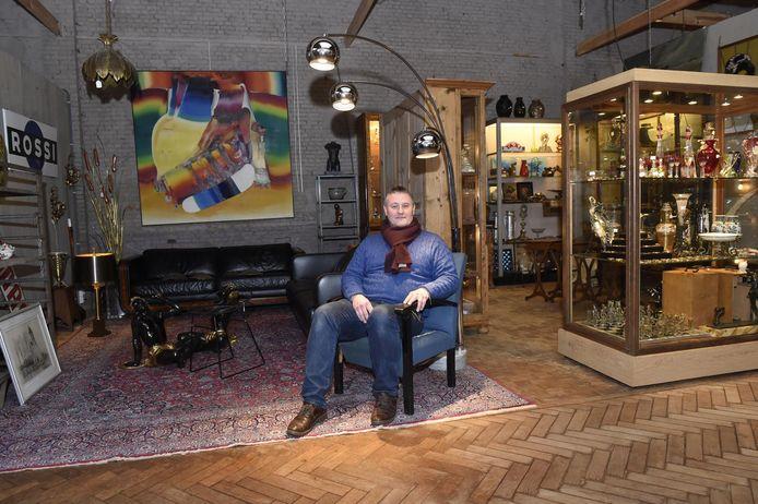 Danny Verbruggen, uitbater van het Antwerp Arts en Antiques Center.
