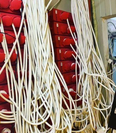 Hennepkwekerij in Nijmeegs bedrijfspand zat verstopt achter berg isolatiemateriaal