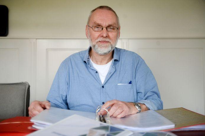 Gerard Kotter werkt bij Wijkkracht Oldenzaal en helpt mensen met het op orde krijgen van hun administratie en financiën.