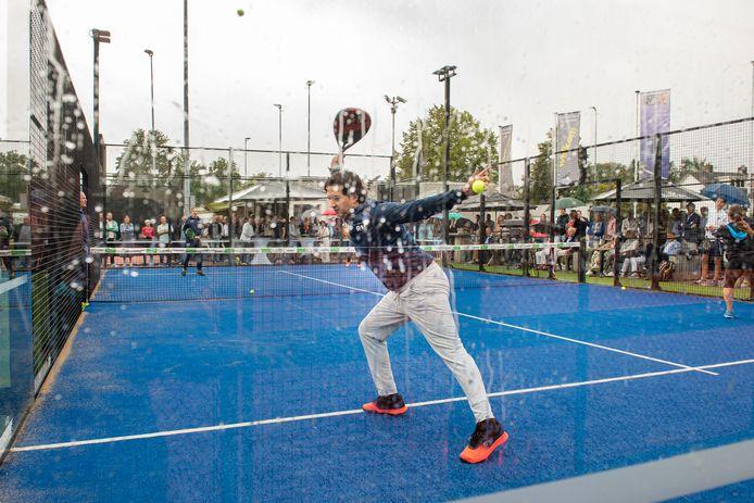 Officiële opening van de padelbanen bij tennisvereniging IJpelaar.