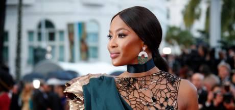 """Naomi Campbell saluée pour son """"incroyable contribution à l'industrie de la mode"""""""