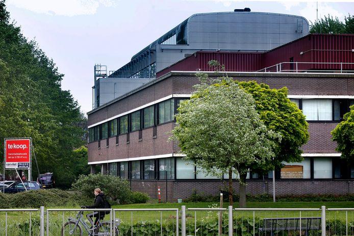 Het COA besprak eind vorig jaar met het Gorcums college zijn plan om weer asielzoekers op te vangen in het voormalig Belastingkantoor.