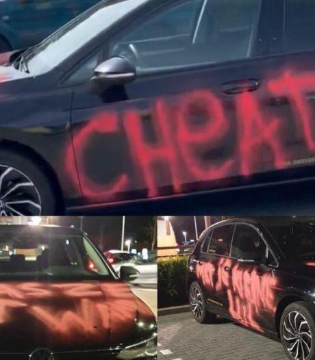 Auto van 35.000 euro ondergeklad met 'cheater' en 'was ze het waard', eigenaar zegt zélf boosdoener te zijn