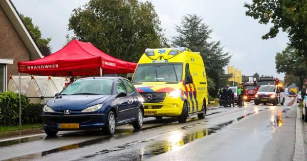 Fietser overlijdt door ernstig ongeluk in dorp bij Apeldoorn.