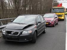 Twee gewonden bij ongeluk op A35 bij Almelo, rijstrook gesloten en file