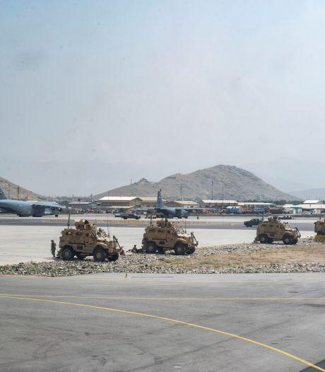 Vliegveld Kaboel onbereikbaar voor veel gestrande evacués: 'Ik hoop dat hulp niet te laat komt'