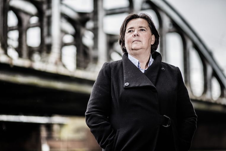 Danielle Iwens werkte op 22/3 aan de incheckbalie in Zaventem. Sindsdien strijdt ze om erkenning.