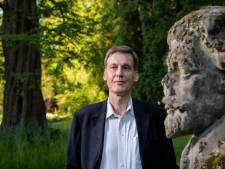 Enschedeër Arnold Enklaar is zijn leven lang al een buitenstaander die de dwarse mening niet schuwt