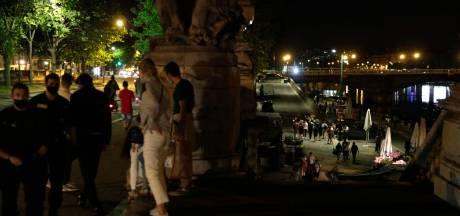 Des centaines de jeunes ont fait la fête aux Invalides à Paris, la police est intervenue