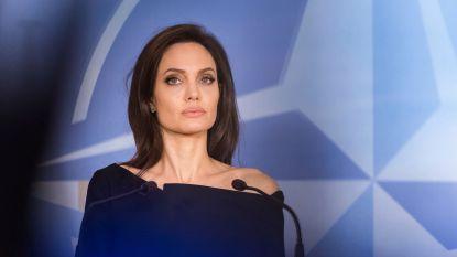 Angelina Jolie jaloers op mogelijke relatie Brad Pitt en Charlize Theron
