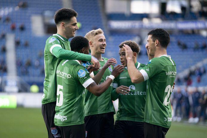 Vreugde bij de spelers van PEC Zwolle.